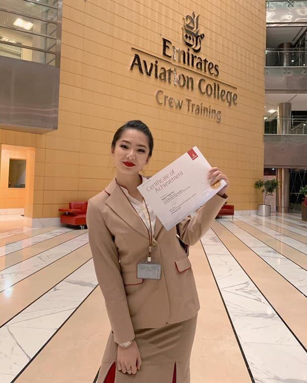 Gái đẹp Việt làm tiếp viên tại hãng hàng không đắt giá nhất hành tinh: Lương hơn 1 tỷ/năm, từng đặt chân đến 76 quốc gia - 2