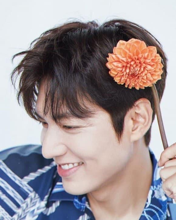 Hậu ly hôn Goo Hye Sun đăng ảnh khoe vai hờ hững được khen độc thân quyến rũ 1