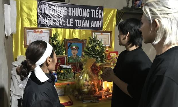 Trung Quân và Denis hoàn thành tâm nguyện cuối cùng của chiến sĩ Lê Tuấn Anh