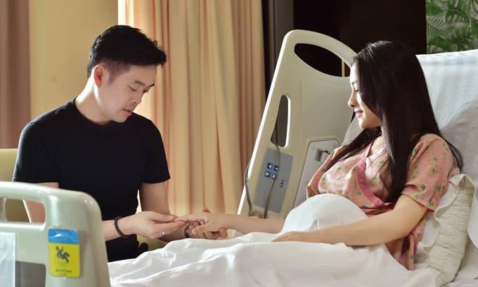 Nhạc sĩ Dương Khắc Linh kể về thời điểm bên cạnh bà xã lúc mổ cặp song sinh: 'Muốn khóc vì thấy tội cho vợ mình quá'