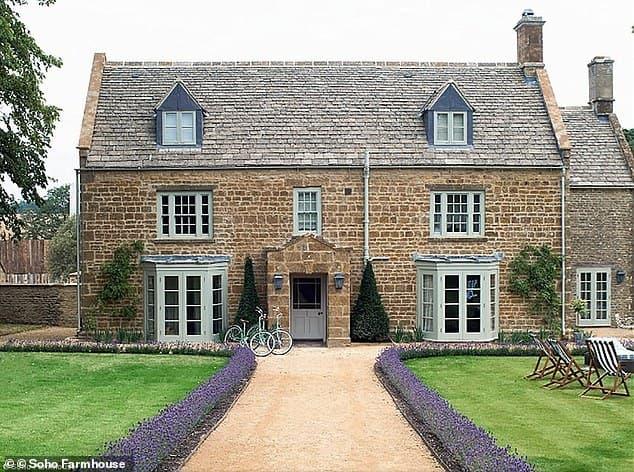Vợ chồng Beckham sẽ chi 350 ngàn bảng để thuê resort sang chảnh cho đám cưới cậu cả Brooklyn 1