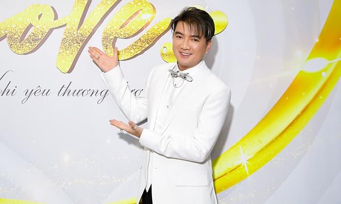 Đàm Vĩnh Hưng hát gây quỹ từ thiện được 3 tỷ, thẳng thắn đáp trả anti-fan chuyện ủng hộ miền Trung