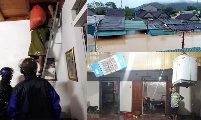 Người dân Nghệ An di chuyển tài sản lên khu vực cao vì nước lũ dâng trong đêm