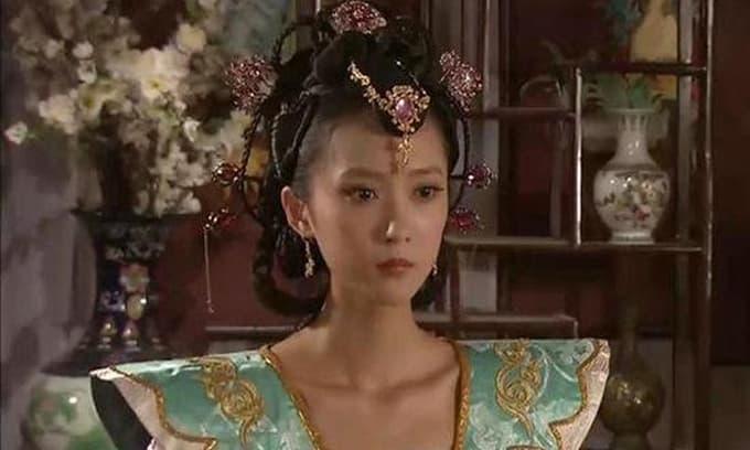 Sau khi hoàng đế băng hà, hàng trăm phi tần xinh đẹp trong hậu cung sẽ ra sao?