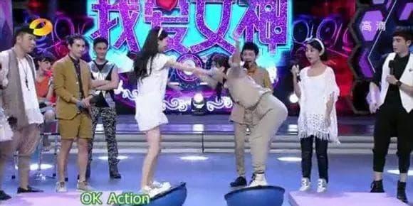 Triệu Lệ Dĩnh từng làm nền cho cô và bị chửi vì cô giờ đây người là sao hạng A người tàng hình trong showbiz 3