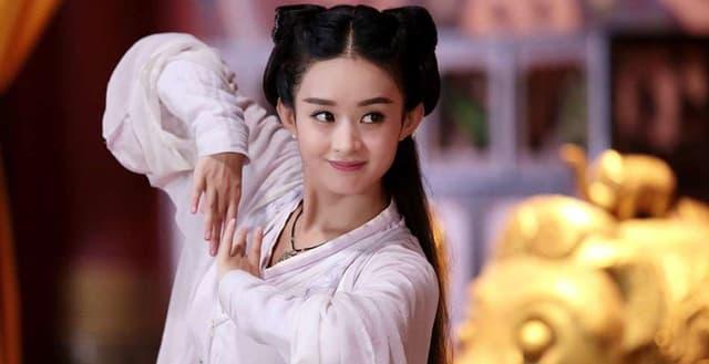 Triệu Lệ Dĩnh từng làm nền cho cô và bị chửi vì cô giờ đây người là sao hạng A người tàng hình trong showbiz 1