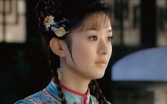 Triệu Lệ Dĩnh từng làm nền cho cô và bị chửi vì cô giờ đây người là sao hạng A người tàng hình trong showbiz 7