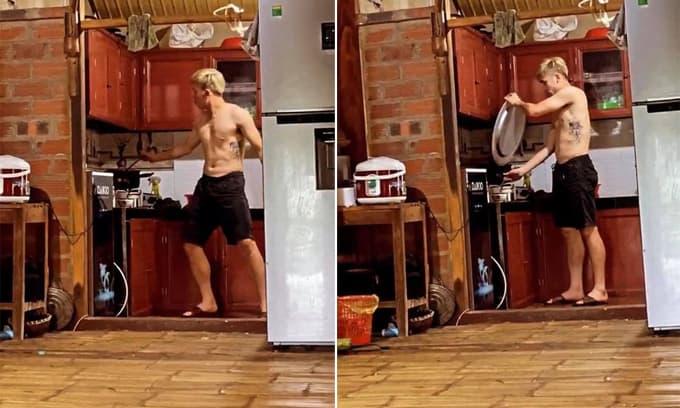 Bùi Tiến Dũng hé lộ hình ảnh cậu em trai ruột vào bếp, lóng ngóng khác xa vẻ hùng dũng trên sân cỏ