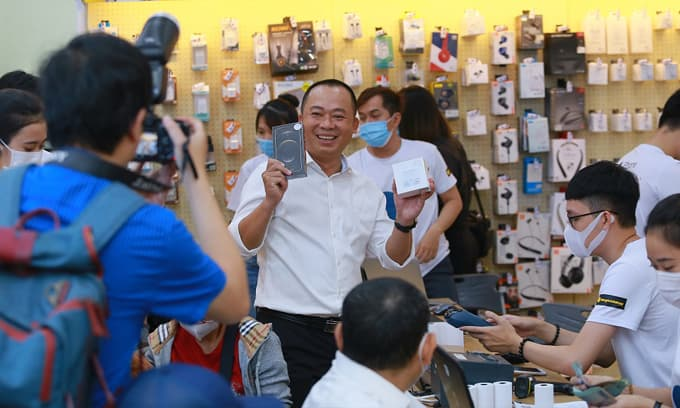 Đông đảo người dùng lựa chọn iPhone 12 series tại Thế Giới Di Động, nhà bán lẻ lập kỷ lục khủng về doanh số