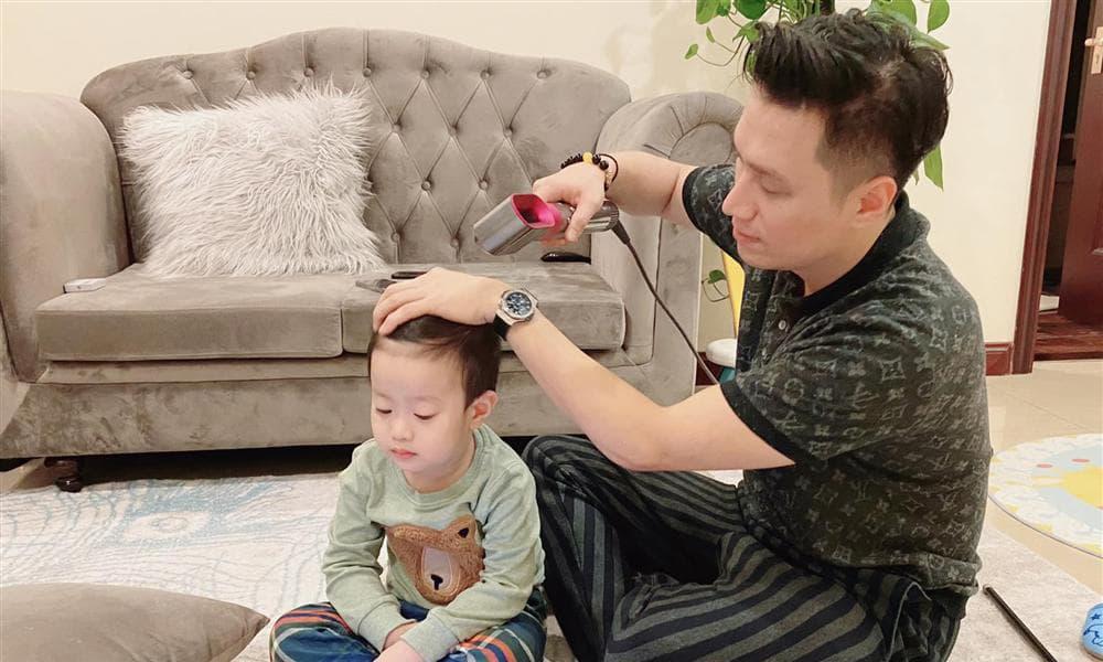 Diễn viên Việt Anh lo 'sốt vó' vì một đêm ôm con chạy 3 bệnh viện