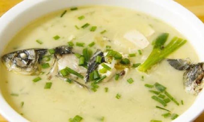 Dù nấu canh với loại cá nào thì không nên cho 2 gia vị này, cá tanh và ăn không ngon, rất nhiều người sai lầm