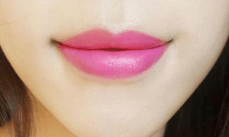 4 đôi môi dưới đây cái nào giống bạn nhất? Để xem bạn dựa vào tài năng gì để 'kiếm cơm'