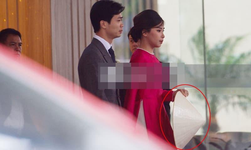 Lý do đằng sau việc vợ Công Phượng - Viên Minh dùng nón che bụng trong đám cưới ở Nghệ An?