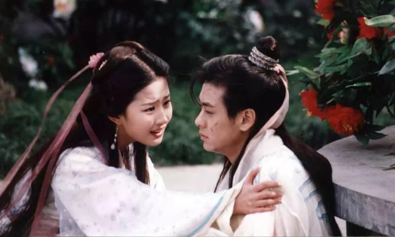 Lưu Diệc Phi cuối cùng đã tiết lộ 'tình yêu để đời' của mình, không phải Song Seung Hun mà là người đàn ông 44 tuổi này