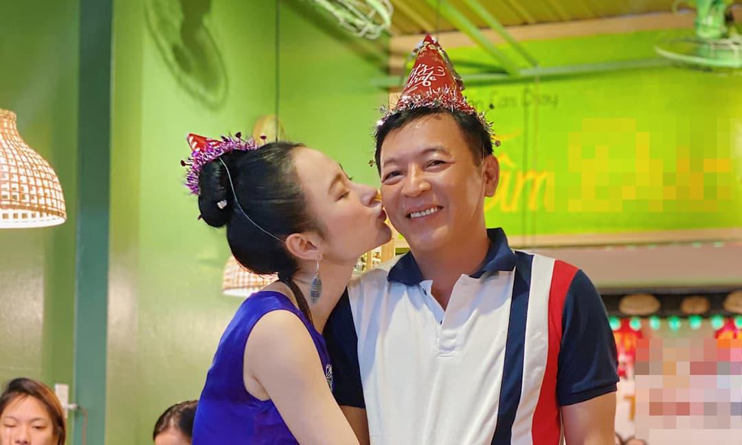 Angela Phương Trinh tổ chức sinh nhật cho bố