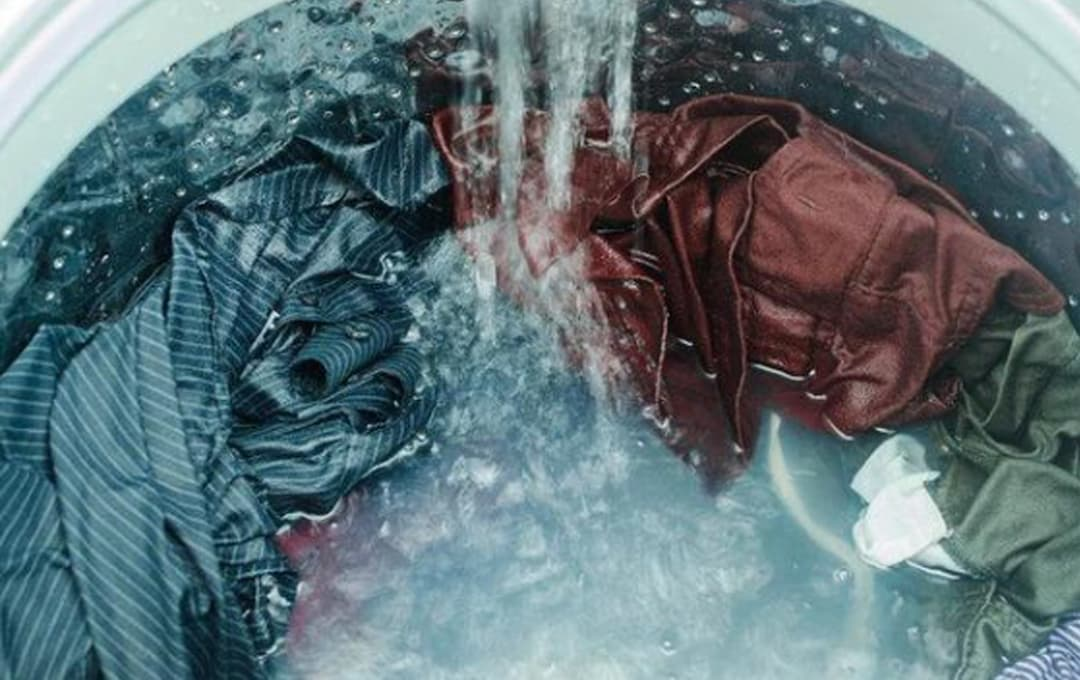 Tôi có thể kết hợp tất và đồ lót giặt cùng không? Có thể nhiều người đã hiểu sai!