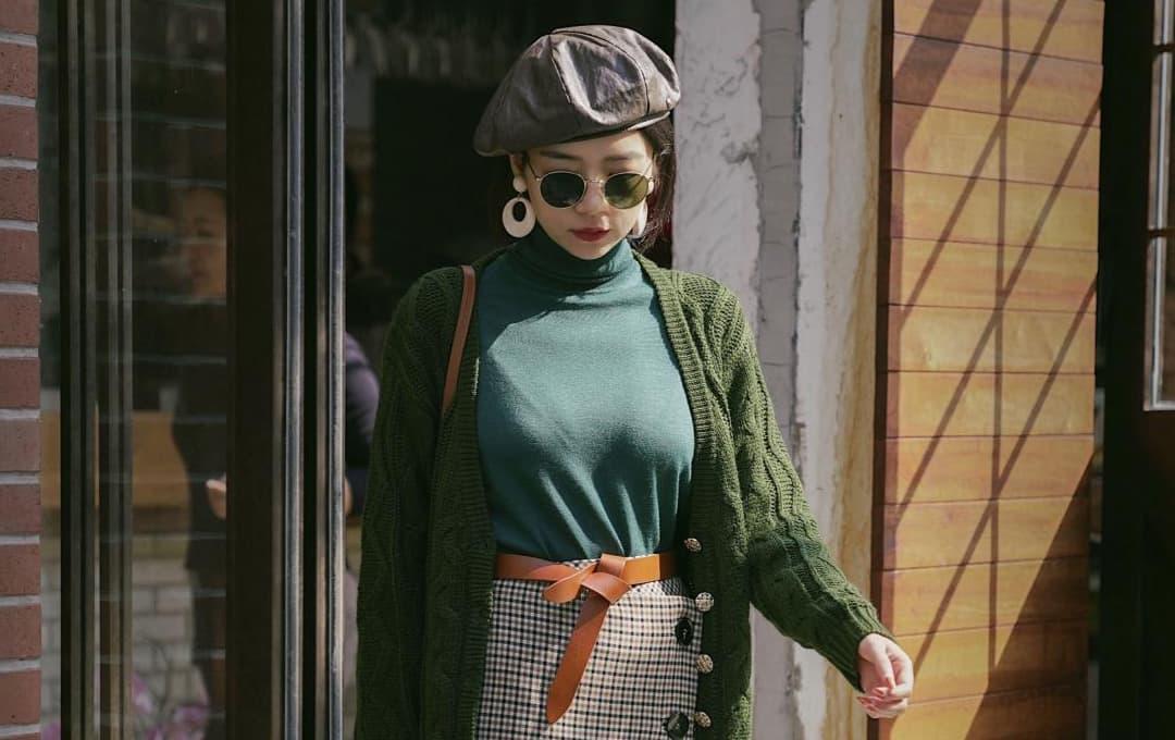 Cách mặc đồ 'áo len + áo cổ lọ' thịnh hành năm nay, vừa ấm áp lại thời trang, xếp tầng tạo khí chất nổi bật hơn