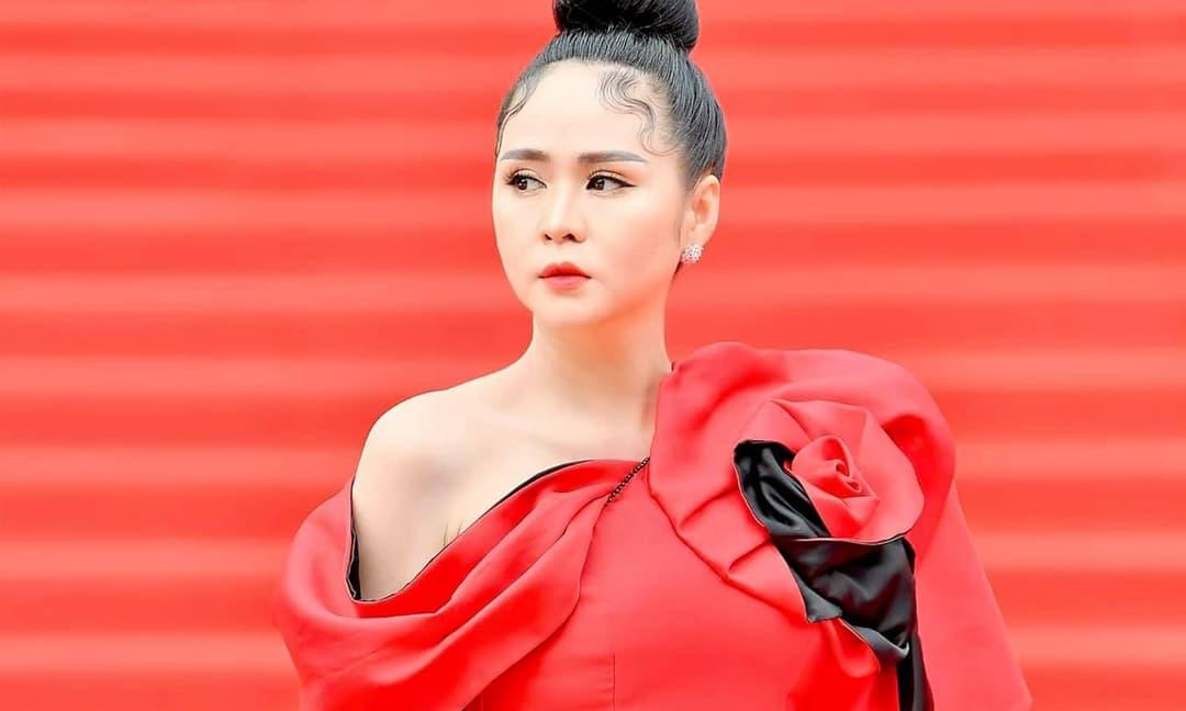 Bùi Thanh Hương lột xác thành Phạm Băng Băng trên thảm đỏ
