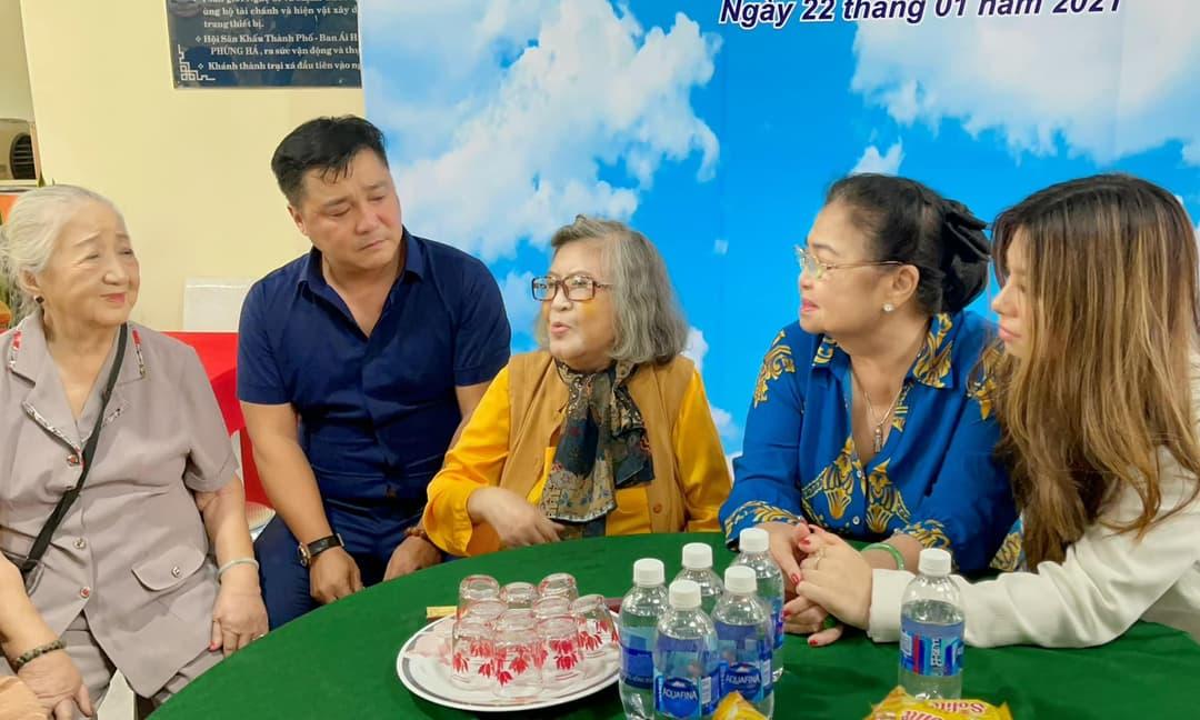 Lý Hùng, Lý Hương khóc khi hoàn thành di nguyện của bố, tu sửa xong khu dưỡng lão nghệ sĩ