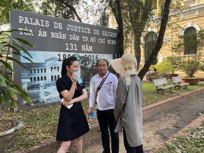 Sau hơn 1 năm bị trộm 5 tỷ đồng và 100 cây vàng, Nhật Kim Anh bức xúc khi phiên tòa xét xử bị hoãn