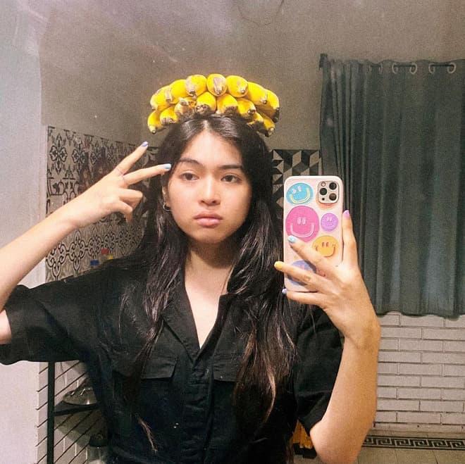 Khánh Vân có bạn trai 3