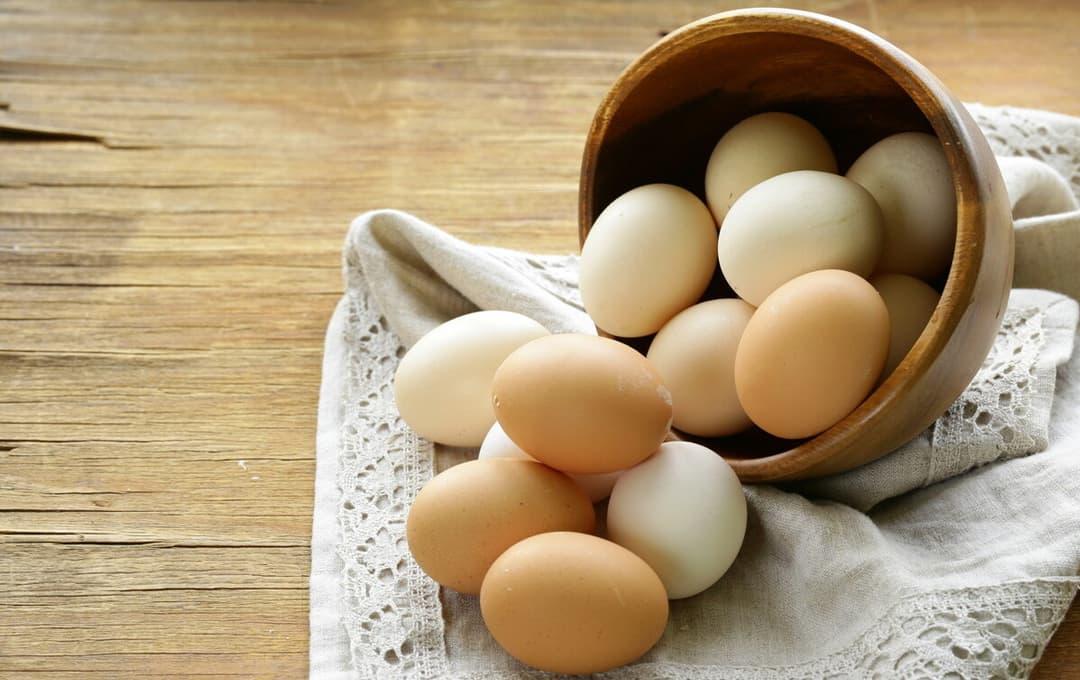 Trứng luộc hôm trước để hôm sau có ăn được không? Có thể bảo quản trong tủ lạnh bao nhiêu ngày?