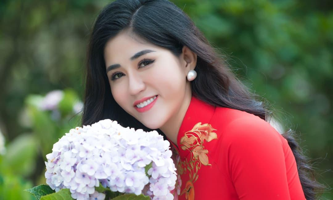 Hoa hậu đại sứ nhân ái Huỳnh Trang khoe trọn vẻ thanh xuân giữa Đà Lạt nên thơ