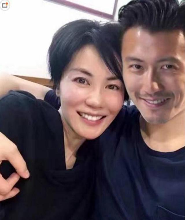 Vương Phi có bầu được tình trẻ Tạ Đình Phong đưa sang Mỹ để sinh 0