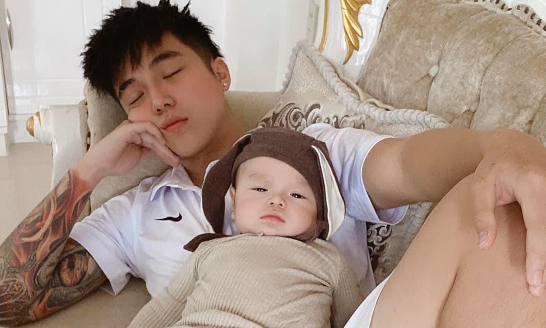 Toki Thành Thỏ (Uni5) bất ngờ công khai con trai đầu lòng, netizen lập tức truy tìm danh tính mẹ đứa bé