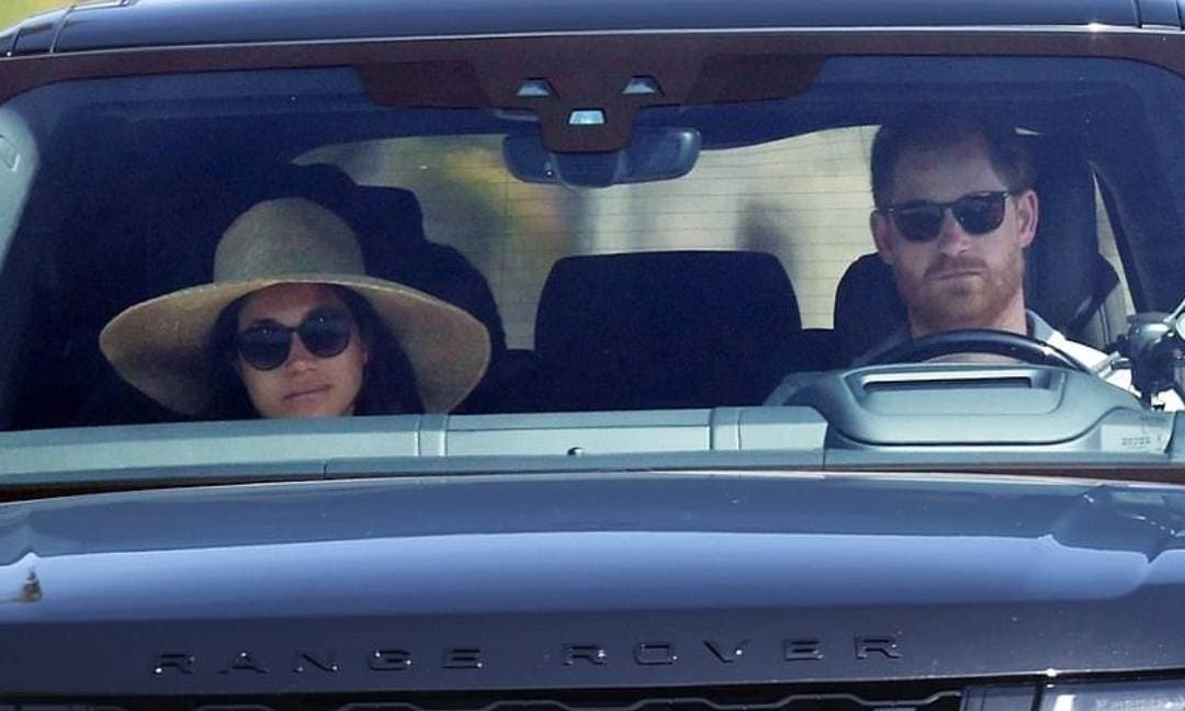Khuôn mặt như đưa đám của Meghan và Harry trước thông tin cuộc phỏng vấn dội bom Hoàng gia Anh có nguy cơ hoãn chiếu