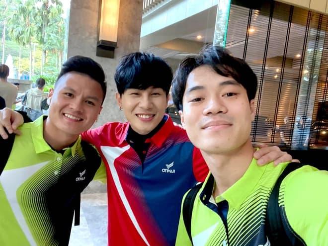 Quang Hải thông báo lập Fanpage, Jack vô tình chấm một cái đã giật sạch spotlight