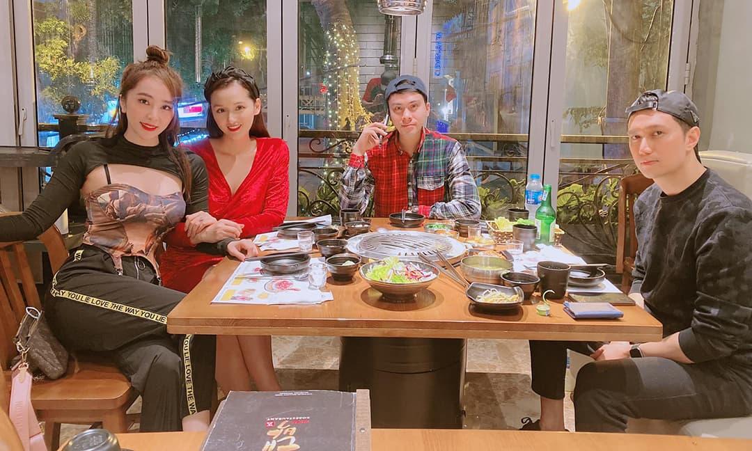 Quỳnh Nga đi ăn cùng Việt Anh tối 8/3, nhưng lại gây chú ý bởi trang phục 'hở lạ'