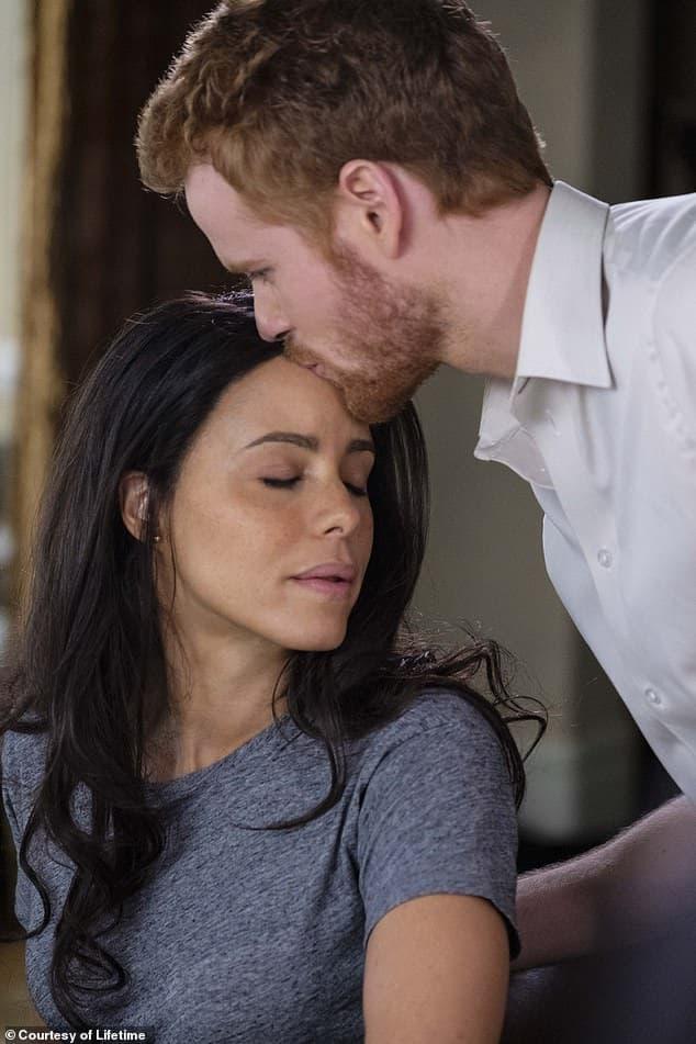 Chuyện tình Harry - Meghan được dựng thành phim mới mang tên 'Trốn thoát khỏi Cung điện'    1