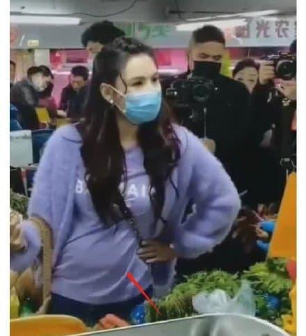 Trương Bá Chi khoe thú vui bắn súng cực 'ngầu', gián tiếp phủ nhận tin đồn mang thai lần 4 8