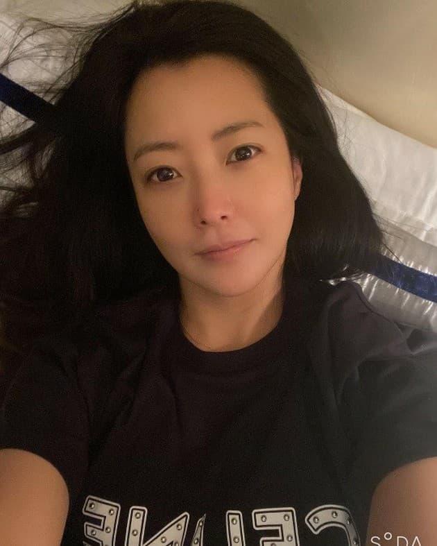 'Đệ nhất mỹ nhân xứ Hàn' Kim Hee Sun bị phát hiện sử dụng app chỉnh ảnh nhưng ai cũng khen nức nở vì điều này 3