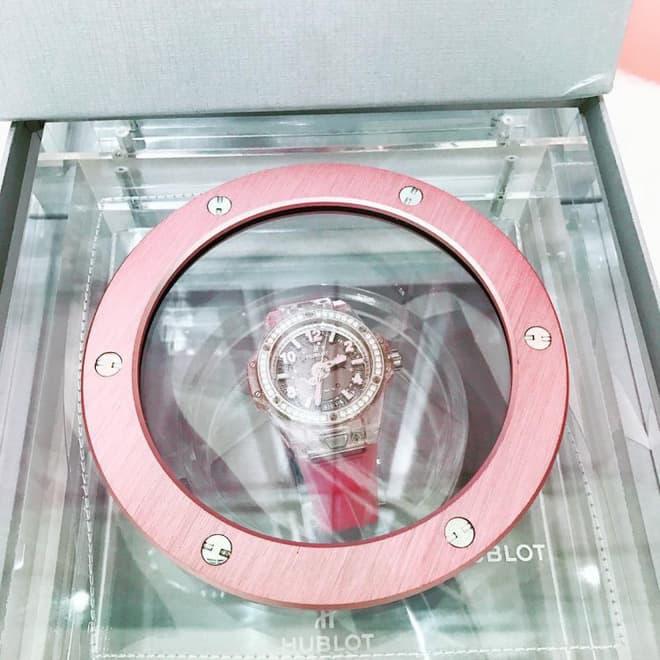 Nhìn lại bộ sưu tập đồng hồ hàng chục tỷ của 'Nữ hoàng nội y' Ngọc Trinh trước khi bị mất cắp 4