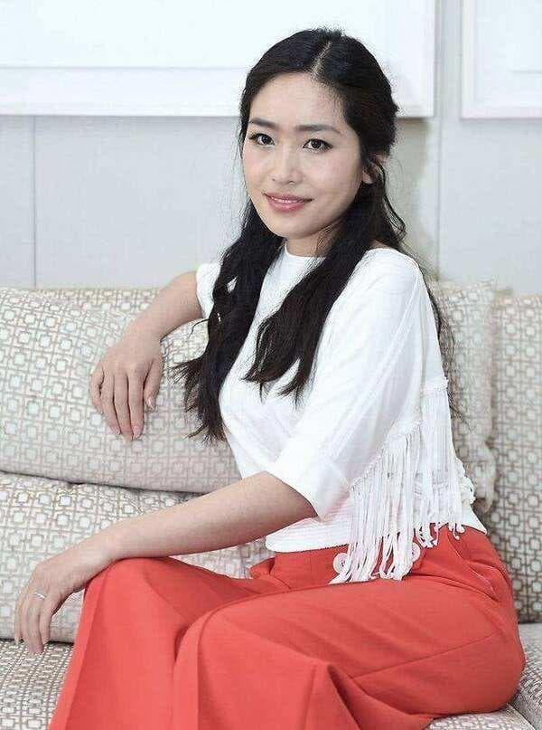 Con gái Trương Nghệ Mưu kết hôn năm 23 tuổi, công kích và đổ lỗi cho Củng Lợi đã hủy hoại tuổi thơ của mình 4