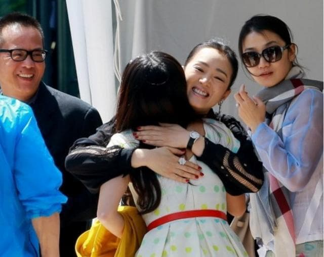 Con gái Trương Nghệ Mưu kết hôn năm 23 tuổi, công kích và đổ lỗi cho Củng Lợi đã hủy hoại tuổi thơ của mình 15