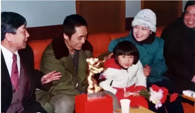 Con gái Trương Nghệ Mưu kết hôn năm 23 tuổi, công kích và đổ lỗi cho Củng Lợi đã hủy hoại tuổi thơ của mình 12