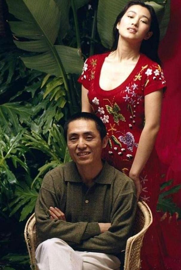 Con gái Trương Nghệ Mưu kết hôn năm 23 tuổi, công kích và đổ lỗi cho Củng Lợi đã hủy hoại tuổi thơ của mình 10