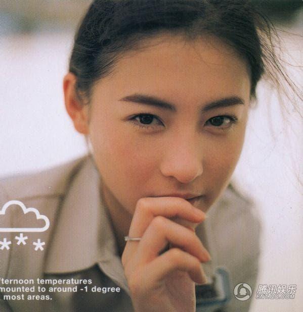 Hóa ra hồi trẻ người nổi tiếng xấu như vậy, chỉ có Trương Bá Chi là mỹ nhân đẹp từ trong trứng 10