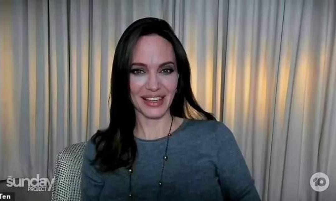 Angelina Jolie ngày càng gầy gò, mắc lỗi make-up khiến gương mặt trở nên thảm họa