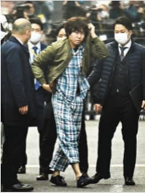 Tên tội phạm thu hút sự chú ý của các thiếu nữ Nhật Bản, đến lúc bỏ khẩu trang ra dân tình phản ứng thế nào? 9