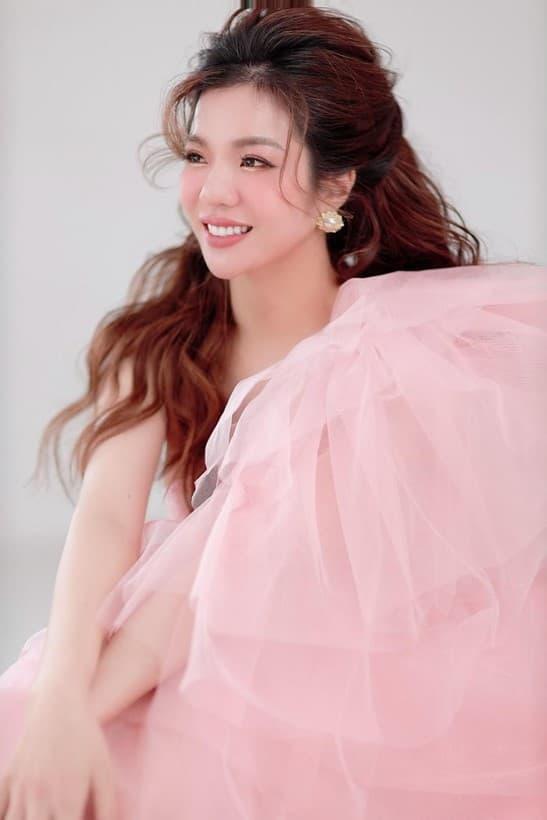CEO Bùi Thị Thủy, thương hiệu mỹ phẩm Jushi Việt Nam, kem chống nắng Top Beauty