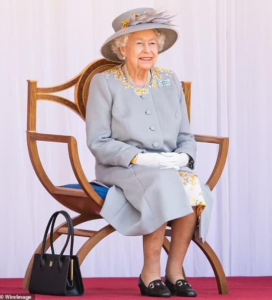 Nữ hoàng lần đầu phá vỡ luật 'không phàn nàn, không giải thích' của Hoàng gia, bóc trần lời nói dối trắng trợn của Harry và Meghan 0