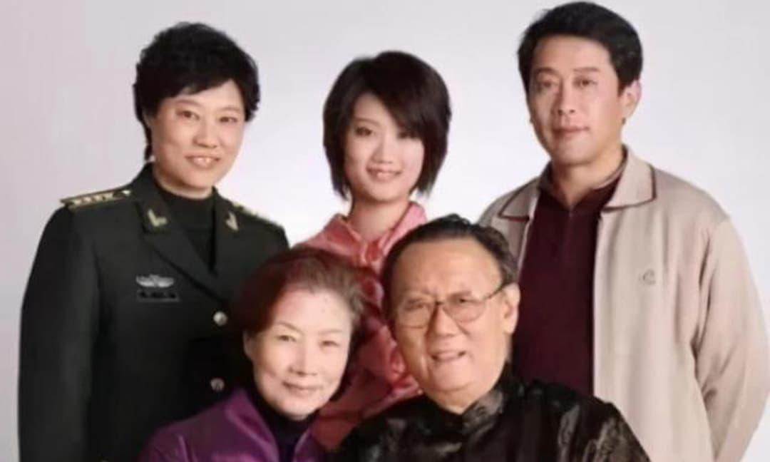 Nữ diễn viên có phúc nhất nhì showbiz Hoa ngữ: Bản thân là nghệ sĩ hạng nhất quốc dân, con trai là đạo diễn, con dâu là niềm tự hào của xứ tỷ dân