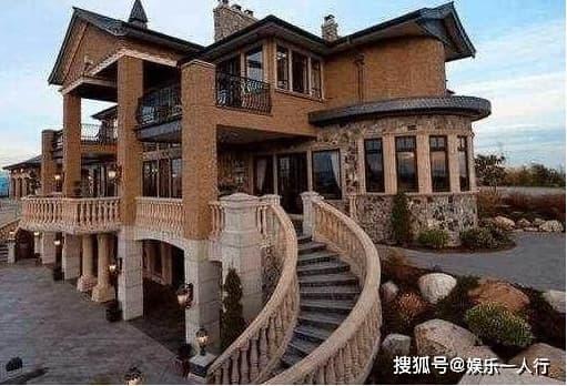 Cận cảnh biệt thự của Huỳnh Hiểu Minh, bên ngoài như một tòa lâu đài, nội thất sang trọng bậc nhất, Angelababy sống như nàng Lọ Lem đời thực  1