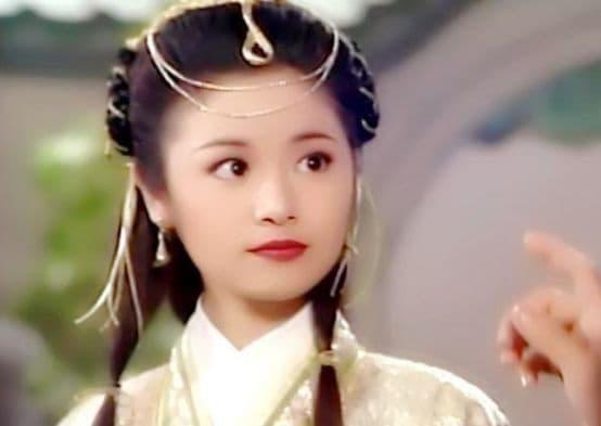 Quá trình trưởng thành của Lâm Tâm Như, 3 tuổi, 12 tuổi, 19 tuổi, 34 tuổi, 40 tuổi, giai đoạn nào là đỉnh cao nhất?  3