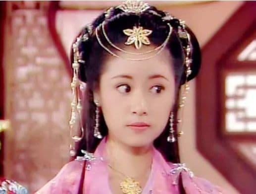 Quá trình trưởng thành của Lâm Tâm Như, 3 tuổi, 12 tuổi, 19 tuổi, 34 tuổi, 40 tuổi, giai đoạn nào là đỉnh cao nhất?  5