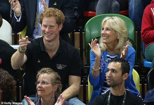 Bị Hoàng gia quay lưng, Harry tham gia sự kiện cùng Đệ nhất phu nhân Biden, khẳng định vị trí trên đất Mỹ  5